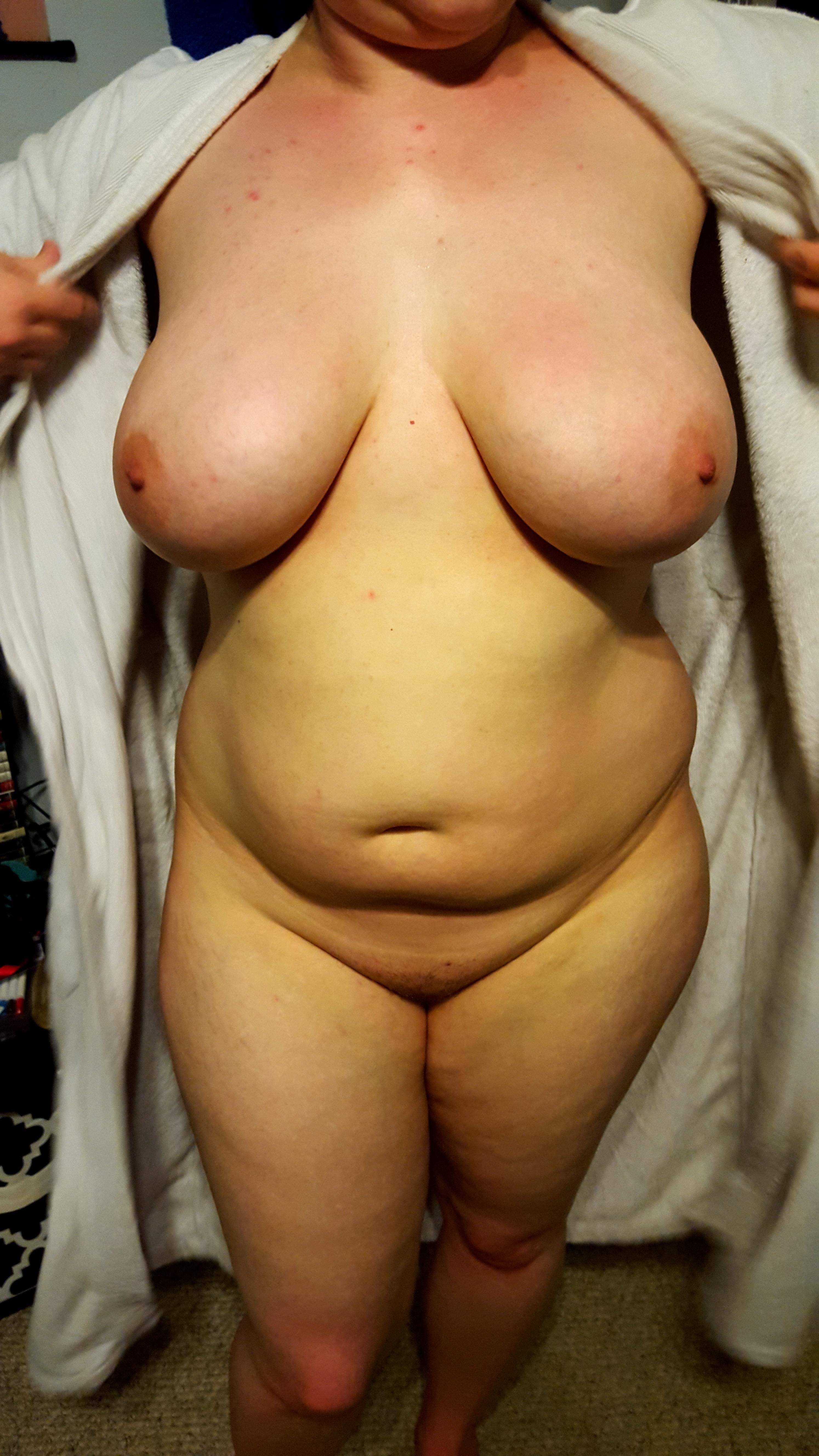 Полные дамы оголились перед камерами любовников 3 фото