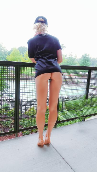 Подборка голых задниц толстушек и стройных девиц 15 фото