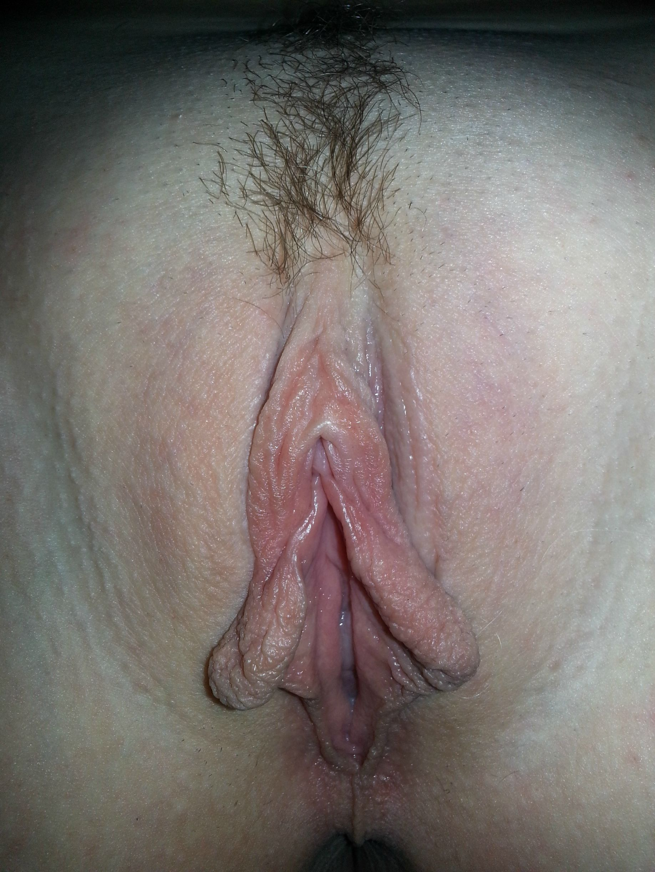 Подборка голых пилоток молодых девиц из соцсети 6 фото