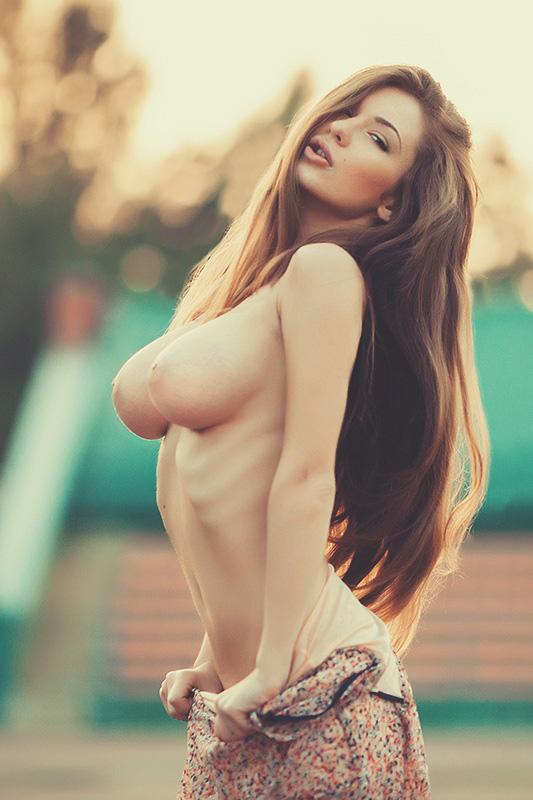 Красотки с крупными титьками хвалятся наготой в сети 20 фото