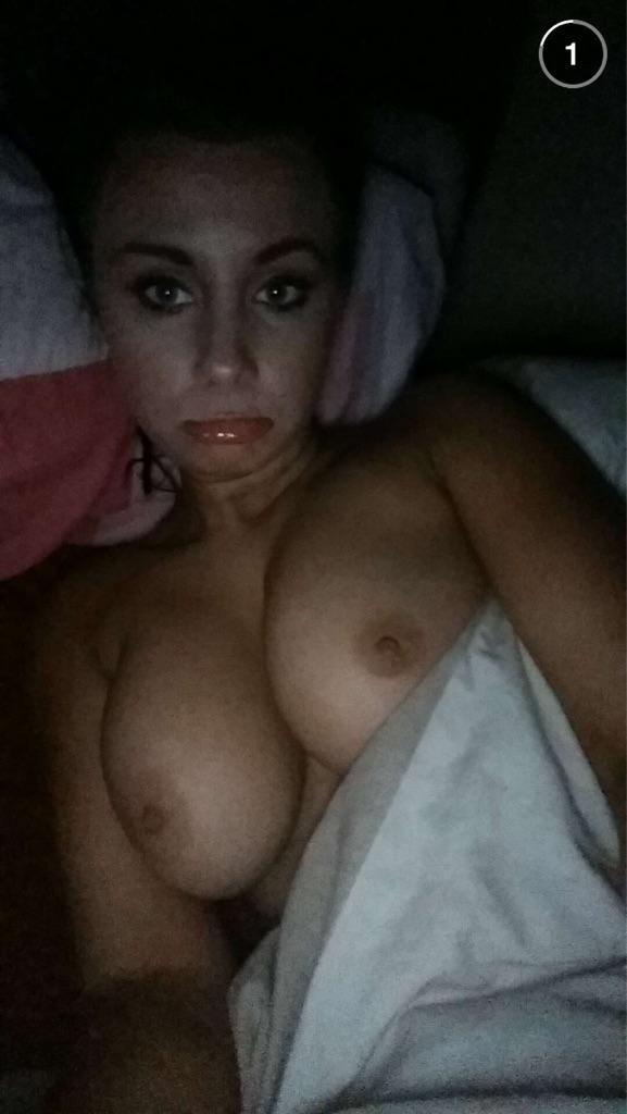 Подборка голых девиц в домашних условиях из твиттера 9 фото