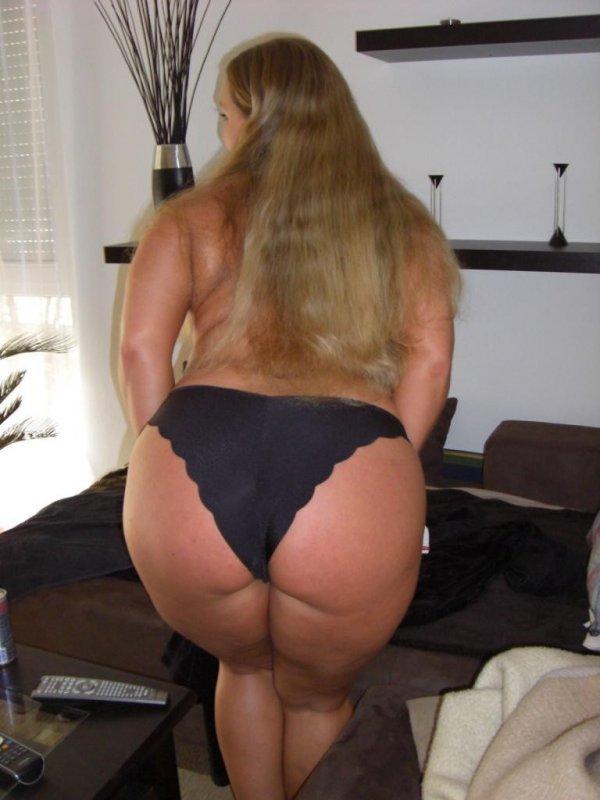 Крупная дамочка выложила свое НЮ в сеть 7 фото