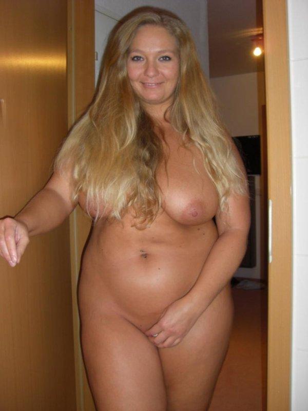 Крупная дамочка выложила свое НЮ в сеть 13 фото