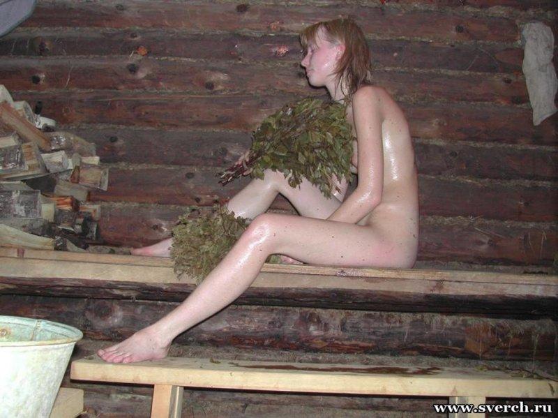 Молодые девахи голышом в сауне и бане 14 фото