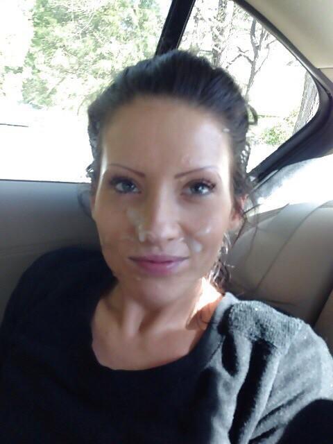 Молодые девахи со спермой на лице и титьках 10 фото