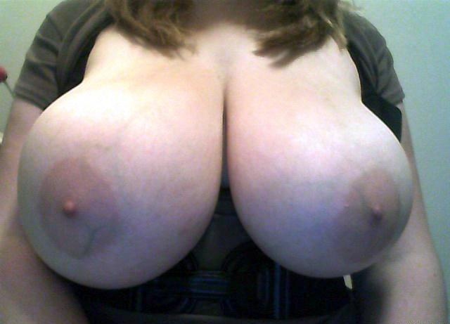 Снимки голых красоток с большими титьками 7 фото