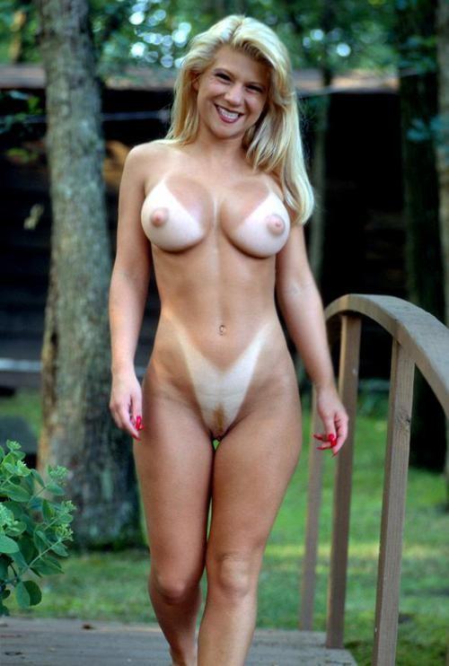 Подборка взрослых женщин голышом дома 15 фото