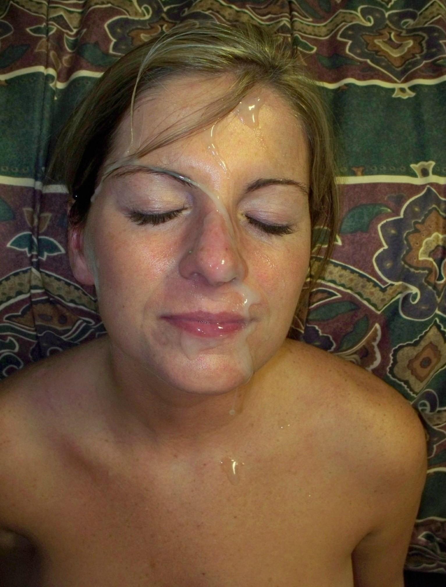 Подборка девиц со спермой на лице или теле 12 фото
